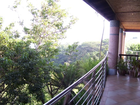 the only glimpse one can get of the beautiful kloof gorge from the hotel.