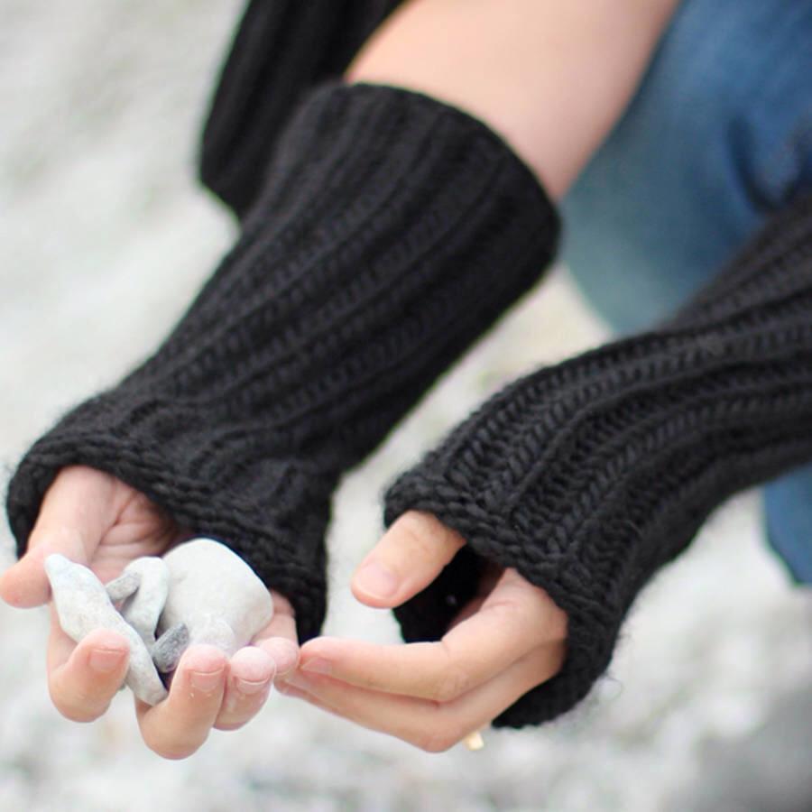 Alpaca wrist warmers.jpg