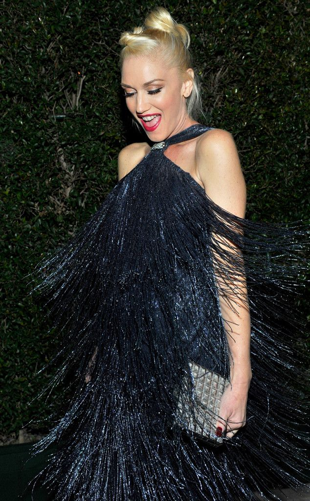 Gwen had a blast in this flapper-inspired metallic gown... Look at her shake it!