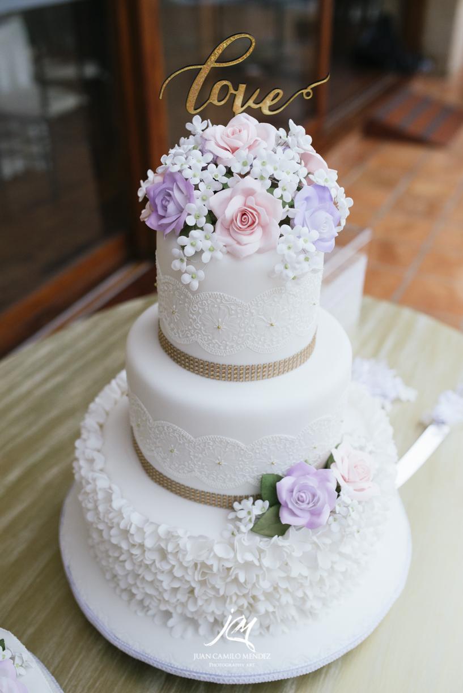 ponque-juliethbravo-weddingplanner-bodadestino-bogota