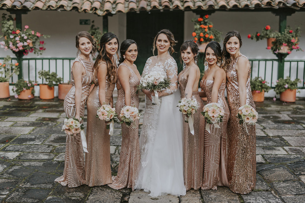 juliethbravo-weddingplanner-bridesmaids-goldrose-bogota-bodas-destino.jpg