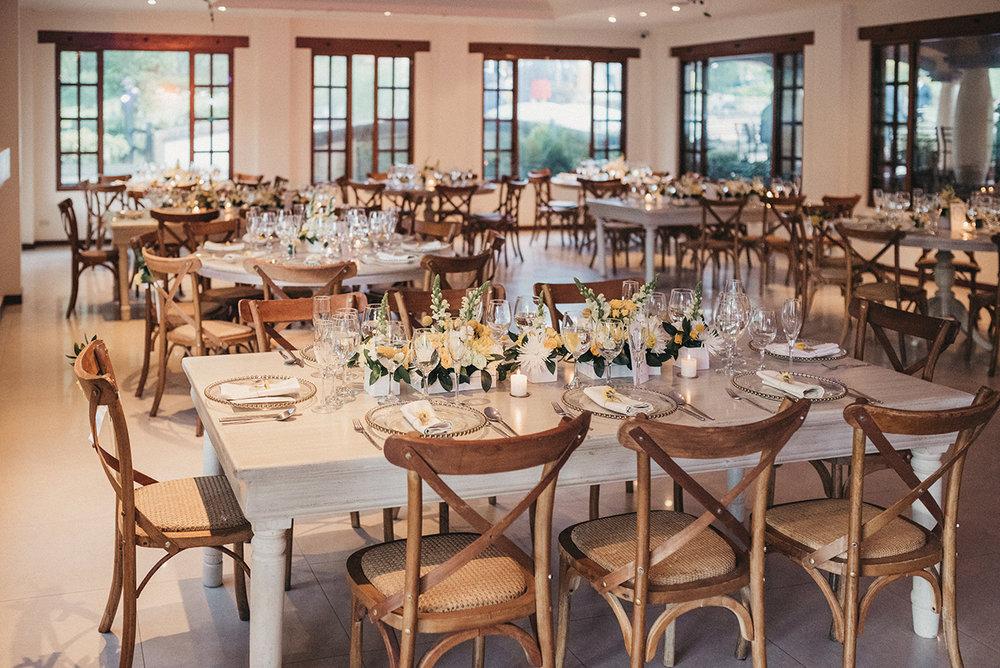 julieth-bravo-boda.sillas-mobiliario-matrimonio-amarillo-boda-destino-bogota-colombia.jpg