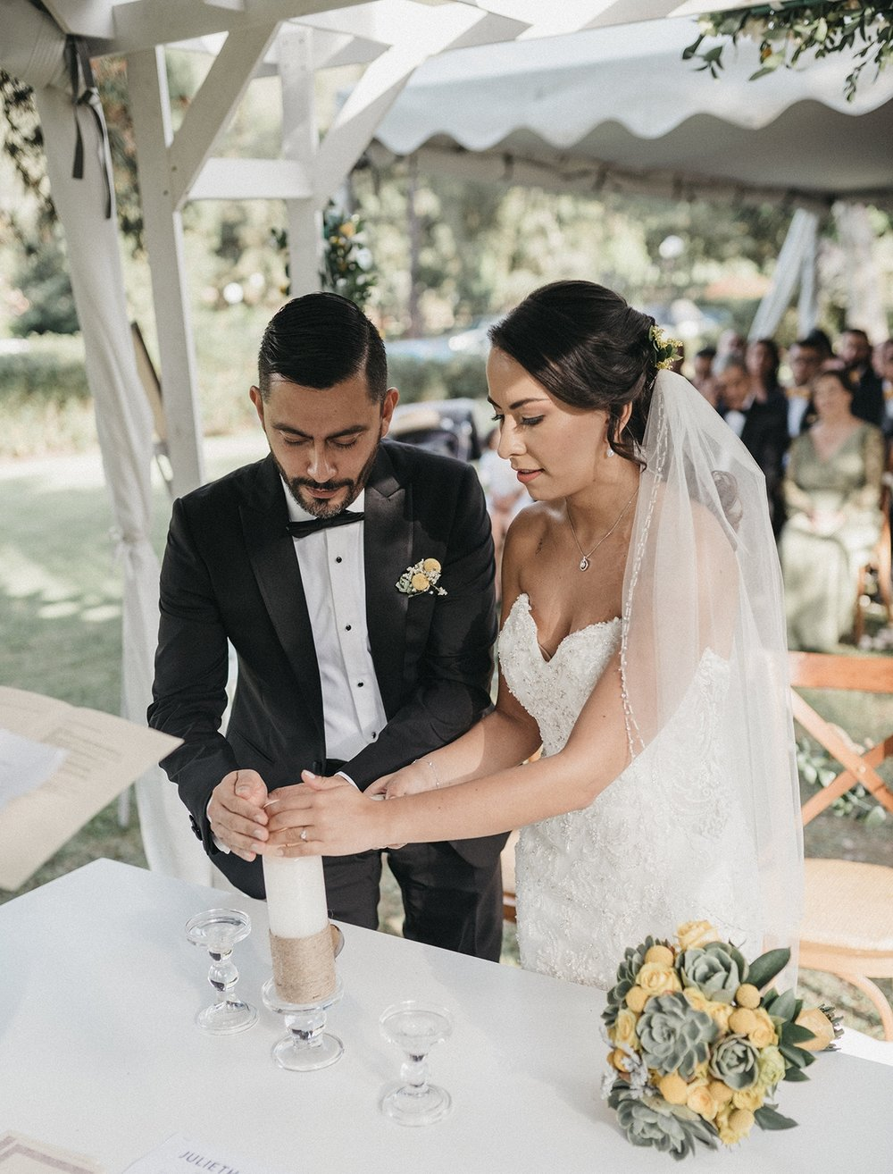 julieth-bravo-ceremonia-luz-simbolica-matrimonio-airelibre-boda-destino-wedding-planner-bogota.jpg