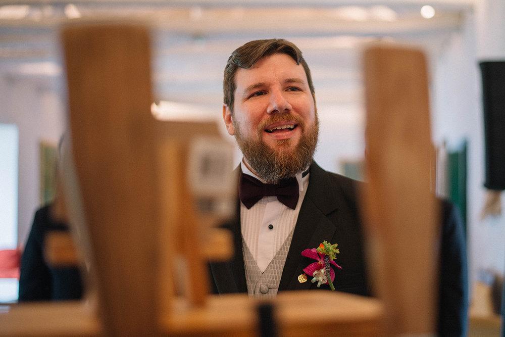 Julieth-bravo-wedding-planner-novio-cerveza-bogota-destino-destinatio-wedding-matrimonio-personalizado-cerca-boutonier-hoops.JPG
