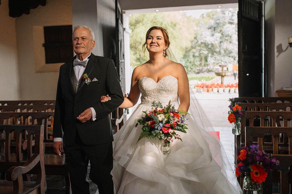 julieth-bravo-wedding-planner-bride-novia-altar-papa-cerca-bogota-boda-destino-matrimonio-doris-alvarez-fotografa.JPG