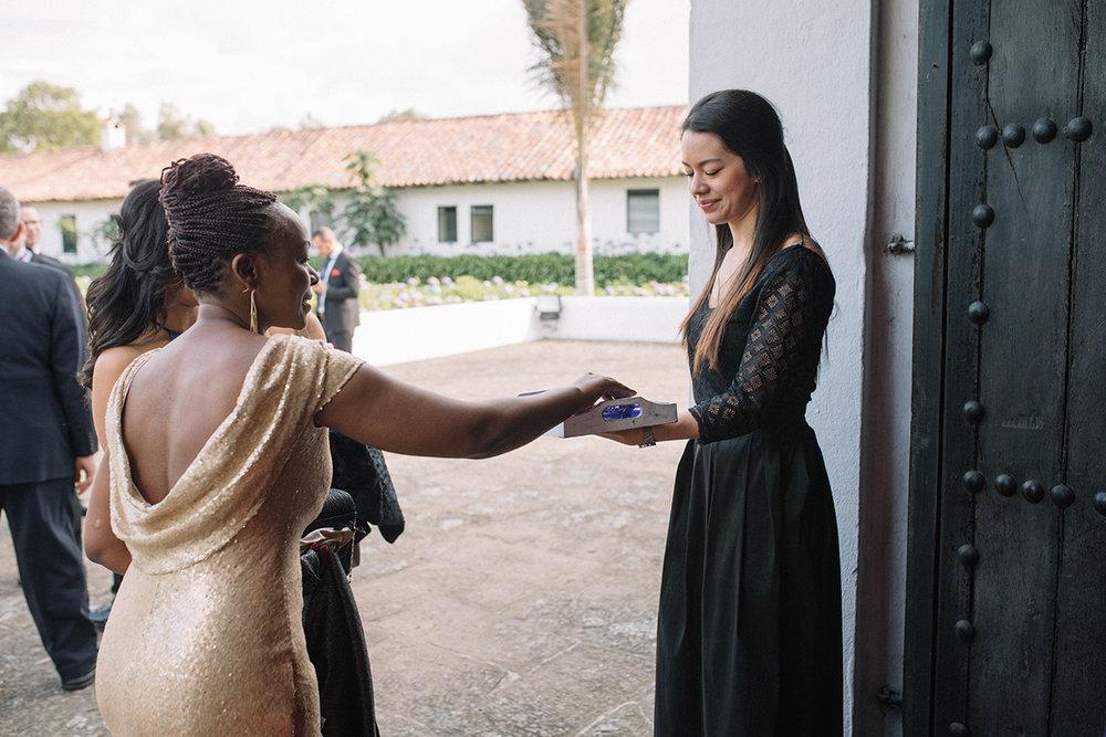 julieth-bravo-weddingplanner-bogota-bubbles-burbujas-matrimonio-invitados-capilla-celebracion-laura-huertas-planner.JPG
