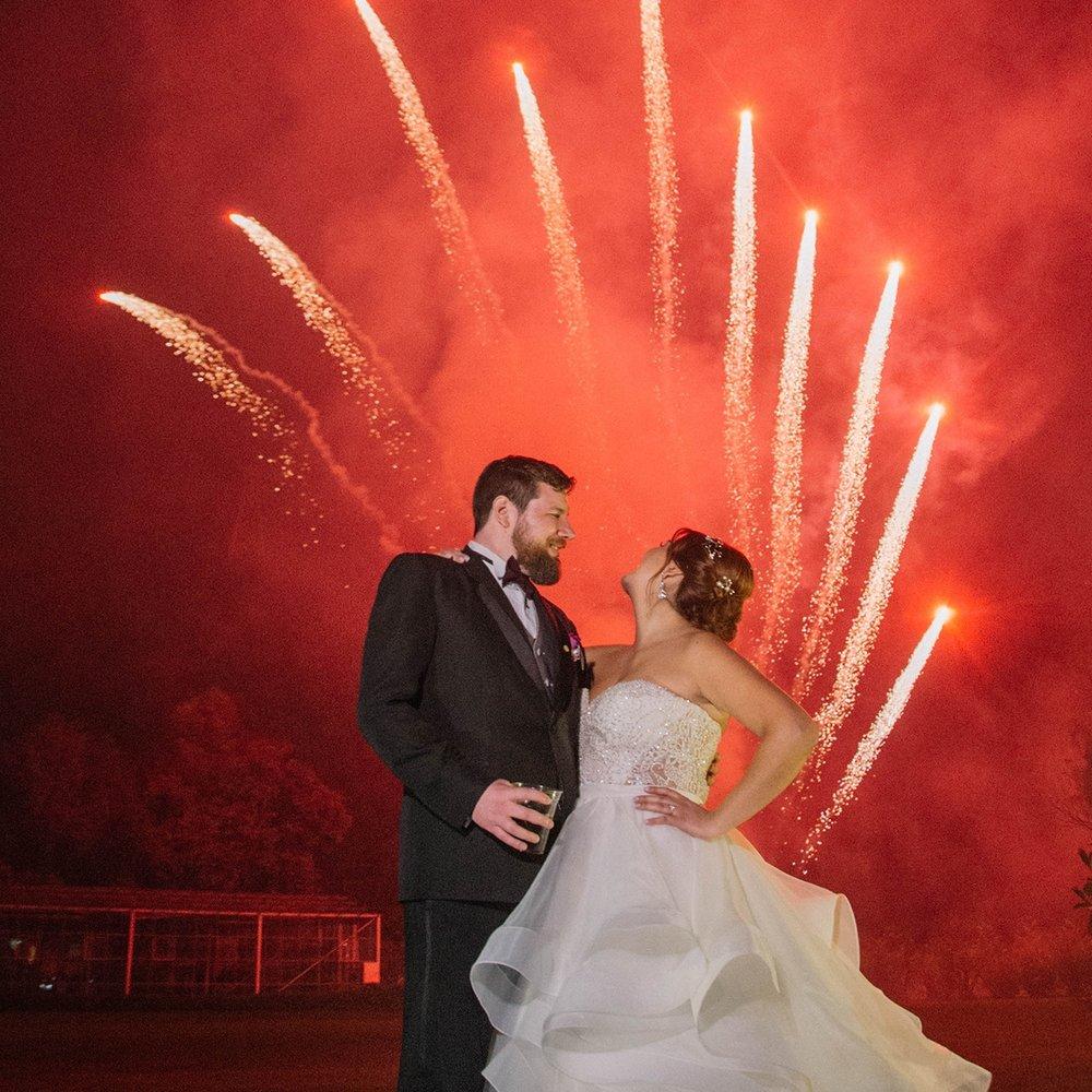 julieth-bravo-wedding-planner-amor-matrimonio-bride-destino-cerca-bogota-vestido-novia-novio-fuegos-pirotecnicos.JPG