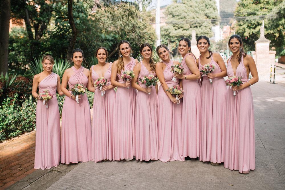 julieth-bravo-weddingplanner-vestido-palorosa-bridesmaids-damasdehonor-cortejo-brideteam-palorosa-gimnasiomoderno-capillas-dorisalvraez.JPG