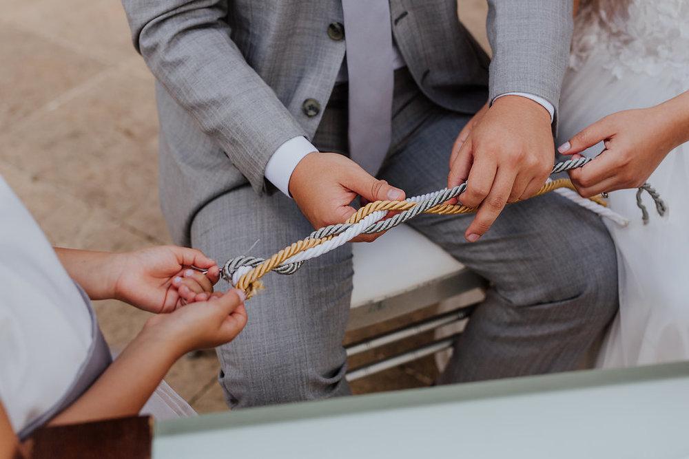 julieth-bravo-wedding-planner-matrimonio-cristiano-brunch-boda-destino-venezuela-pereira-ejecafetero-cristiano-brunch-lazo-ritual-amor-jesus-cordon.jpg