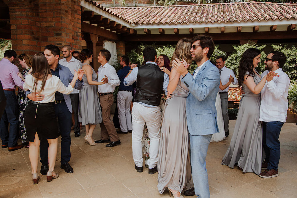 julieth-bravo-weddingplanner-matrimonio-baile-brunch-boda-cristiana-invitados.jpg