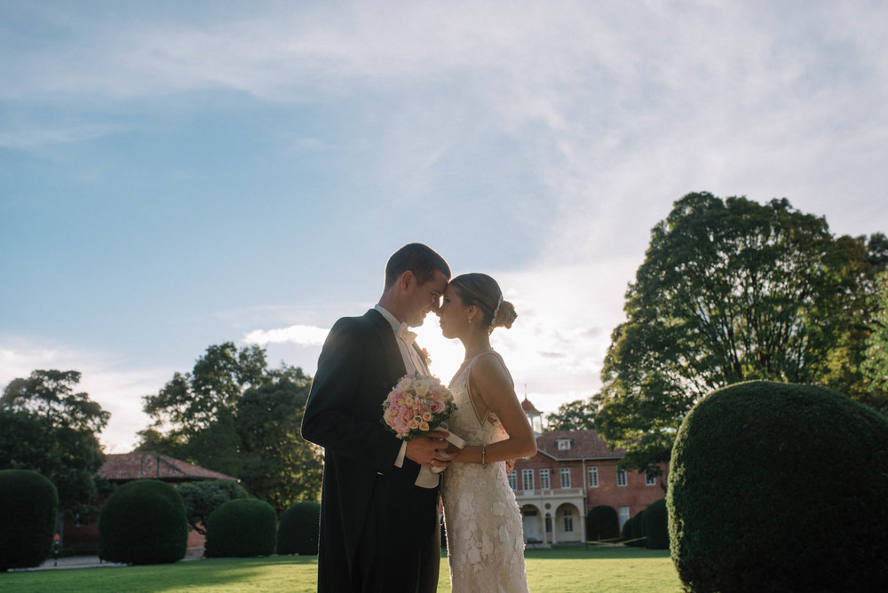juliethbravo-wedding-planner -matrimonio-capilla-moderno-novios-bouquet-janoa-pronovias.JPG