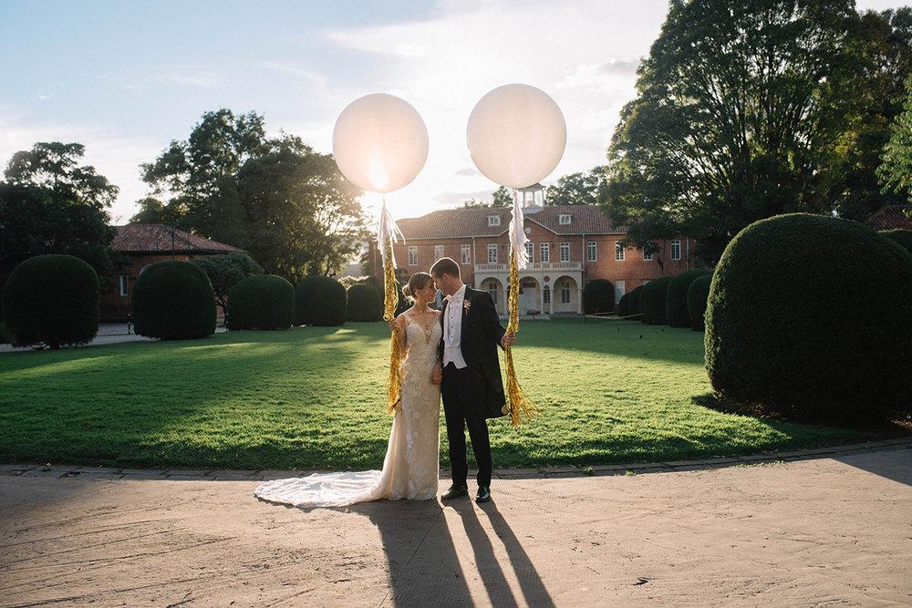 juliethbravo-wedding-planner-boda-venozolana-gimnasio-moderno-capilla-globos-matrimonio-wedding-destination.jpg