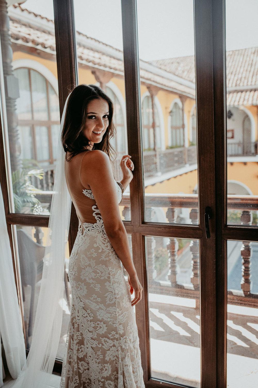 julieth-bravo-wedding-planner-dress-bride-vivian -beltran-destinationwedding-colombia-viviana-beltran.jpg