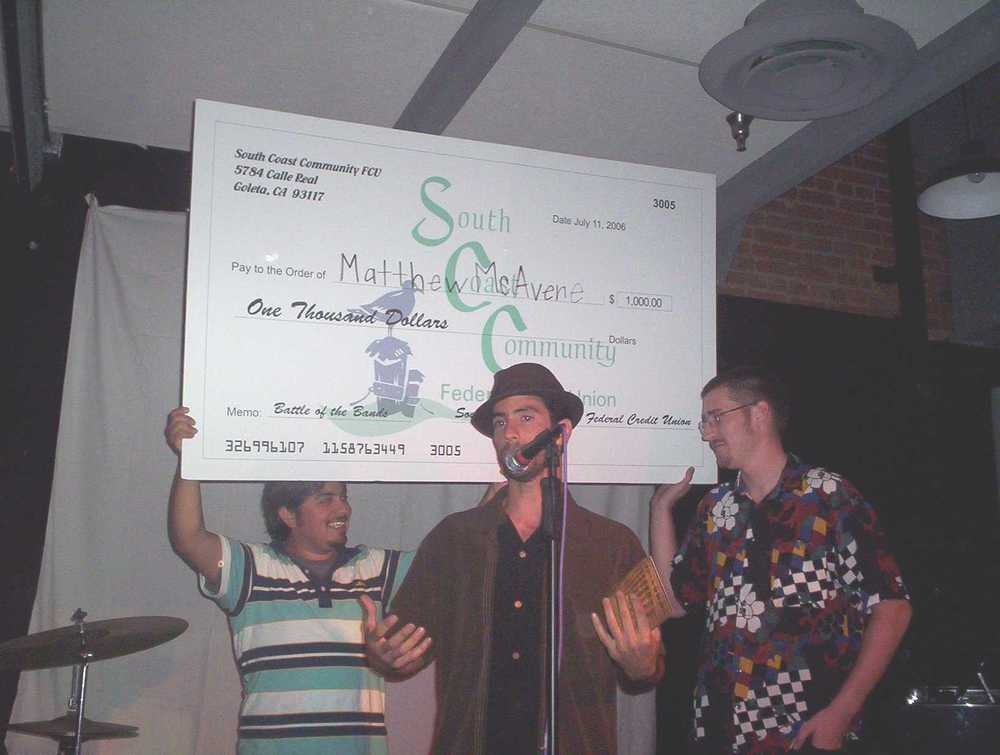 Matthew McAvene wins Santa Barbara battle of the bands 2007.JPG