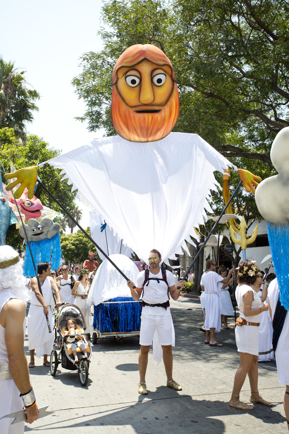 Big Parade Puppet Zeus by Matthew McAvene.jpg