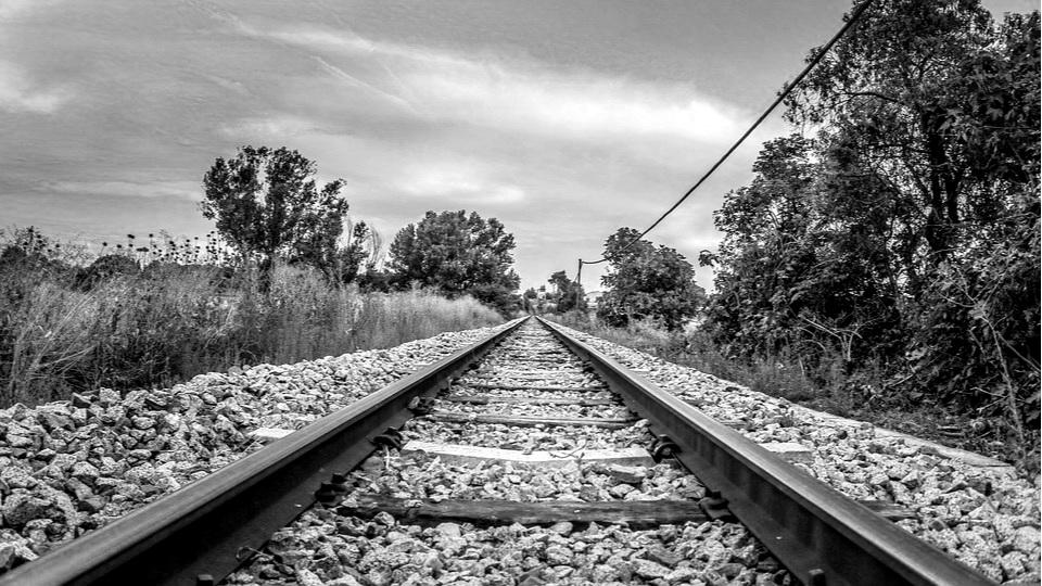 railway-3575846_960_720.jpg