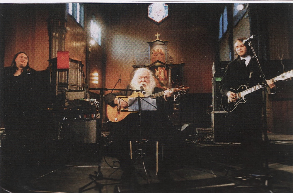 KIRKEKONSERT i Vågan Kirke, Kabelvåg. Faksimile fra boka Nord-Norges Trubadur (2004). Foto: Turid Hansen.
