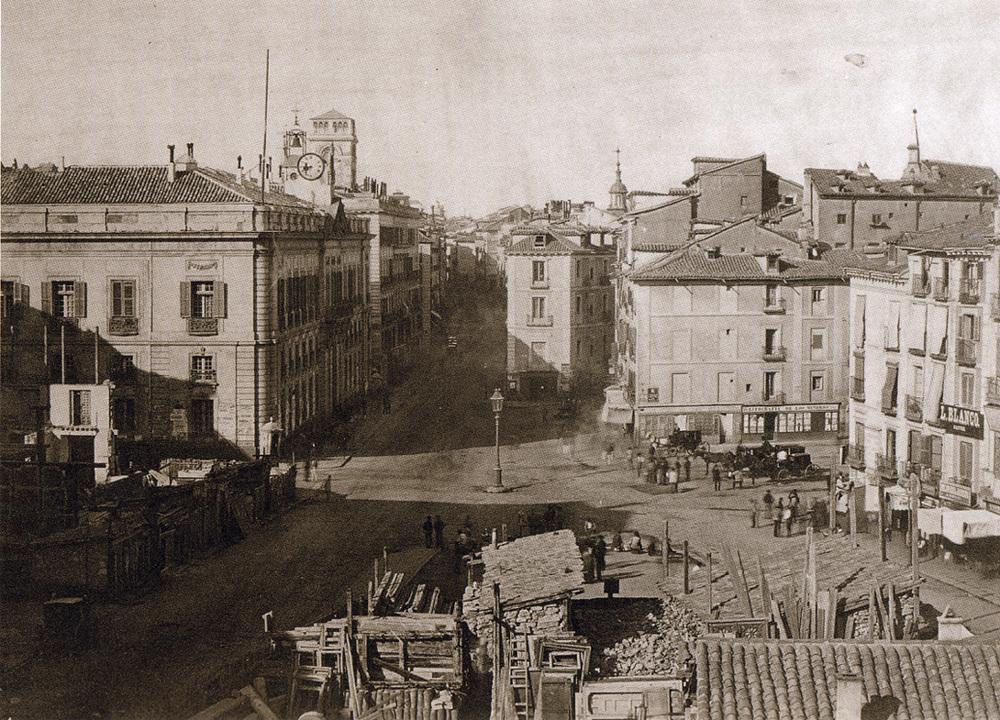 Madrids Puerta del Sol i 1854.