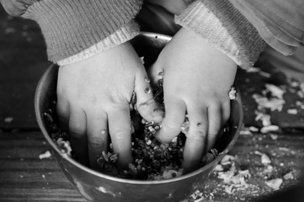 """""""Hands-on"""" Forest School:tactile,kinaesthetic & experiential.Child-centred messy play at its best,but with learning and personal development is at its core."""