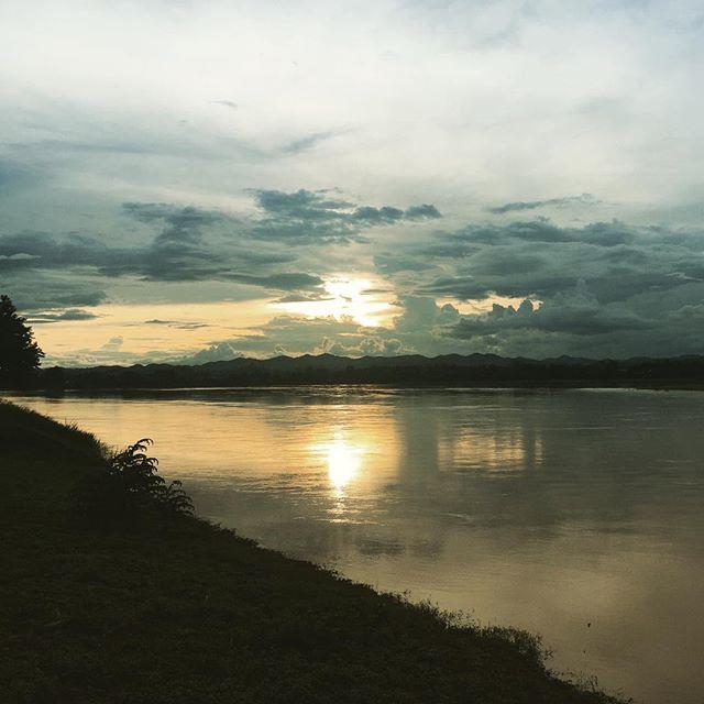 Sunset on the Mekong. #Chiangkhan