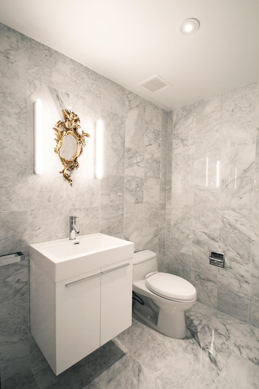 Lower Bathroom 2.jpg