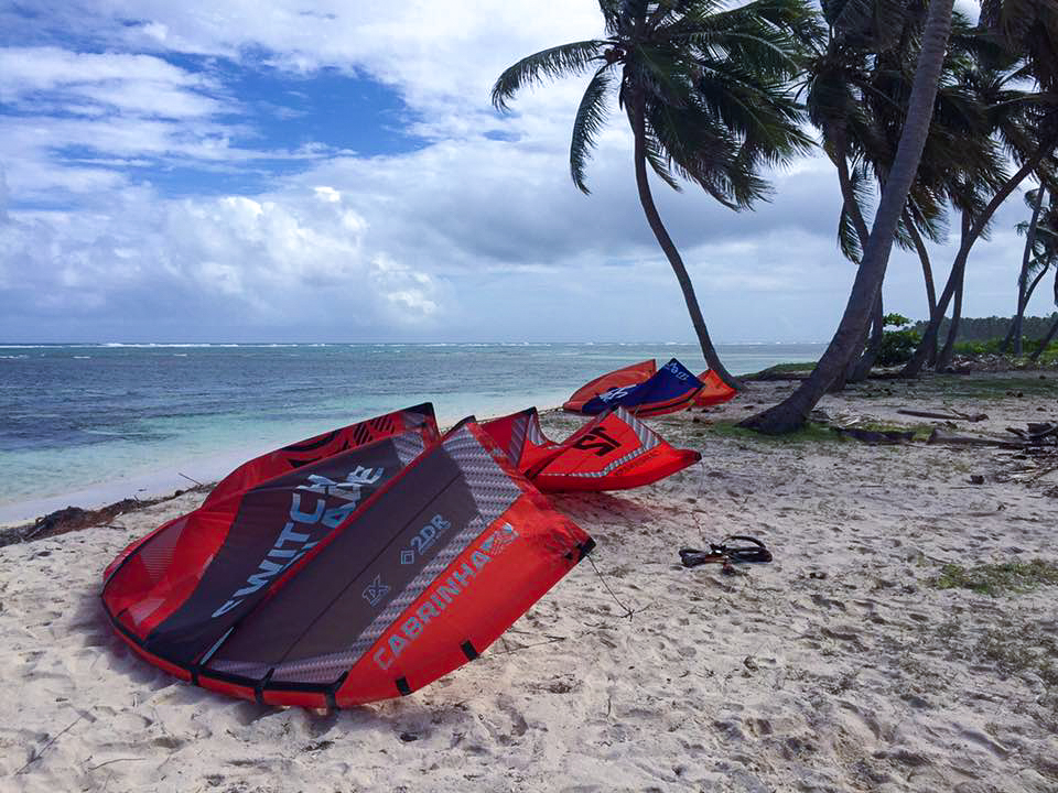 Cabeza de Toro - A beautiful white sand spot in the middle of nowhere with totally flat water and no one around! Medium wind conditions for beginners and advanced kitesurfers! Is located close to Bavaro main resorts.