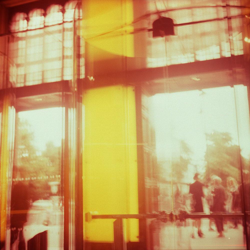 cafe1web.jpg