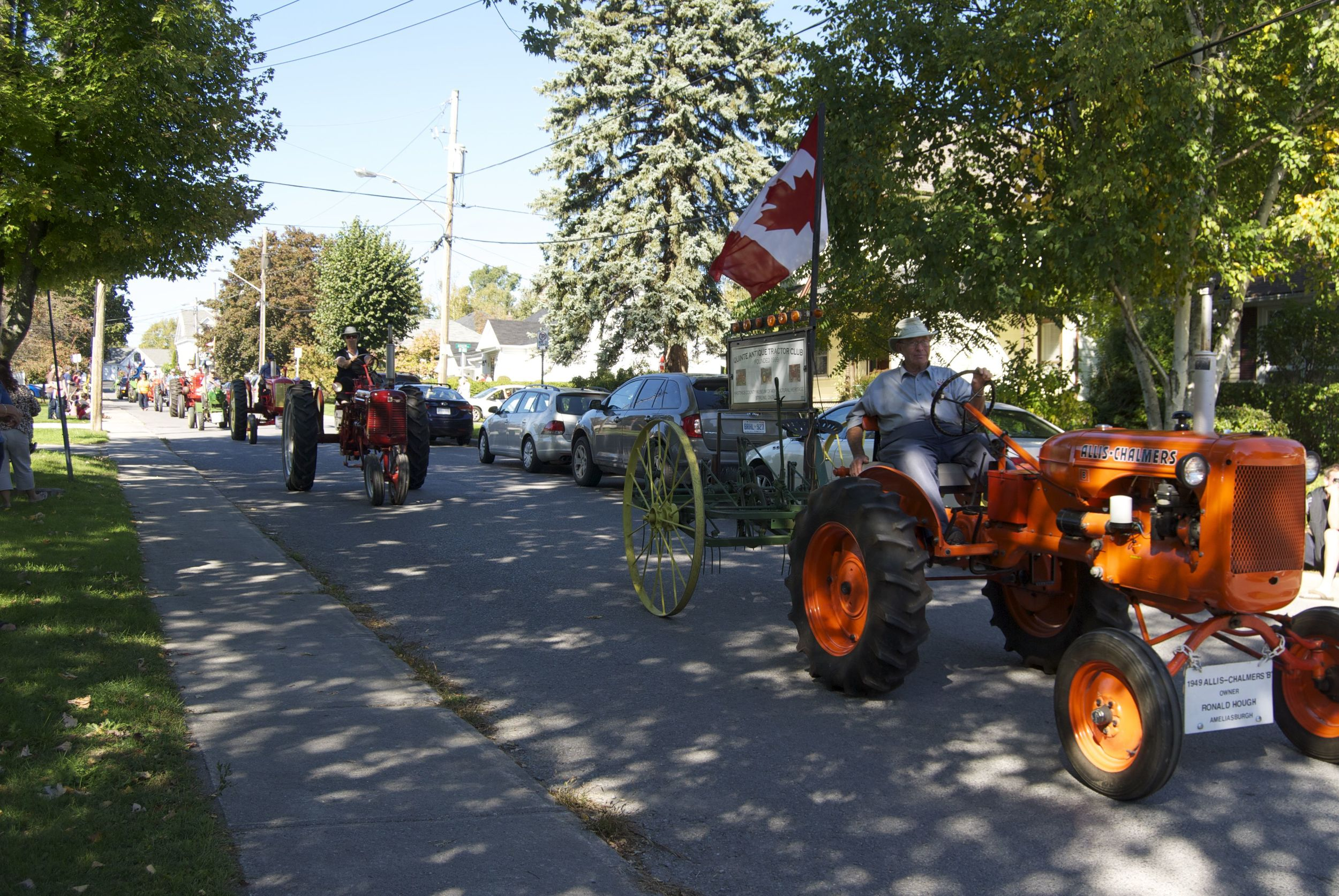 parade-of-tractors