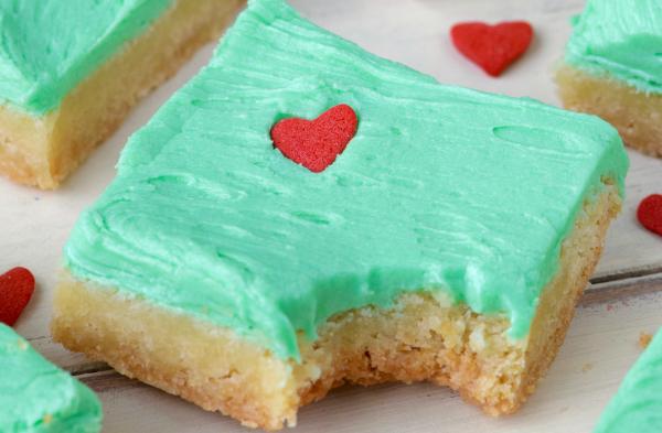 Grinch Sugar Cookie Bars | Writing Between Pauses
