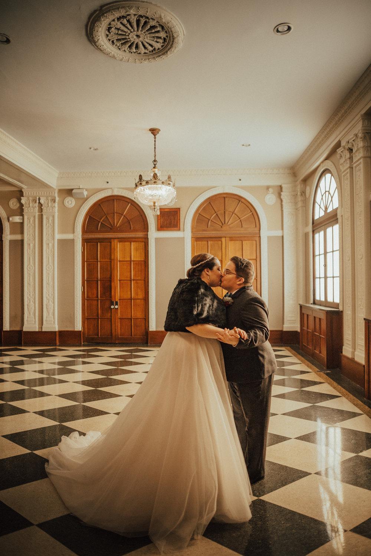 Lawrence Kansas Cider Gallery Wedding-37.jpg