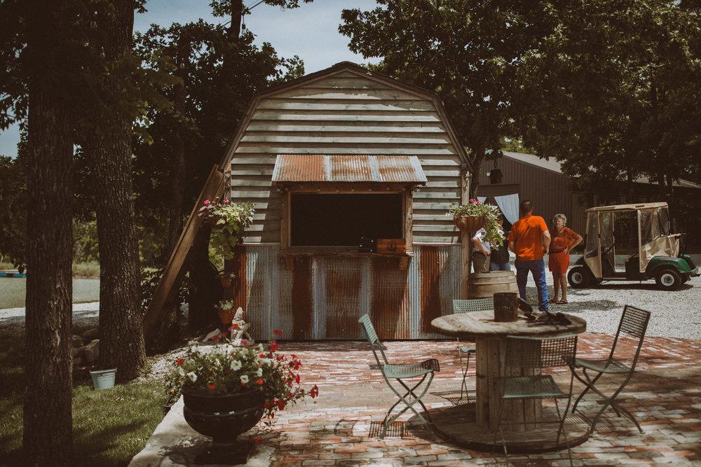 kansas city barn wedding -000001.jpg