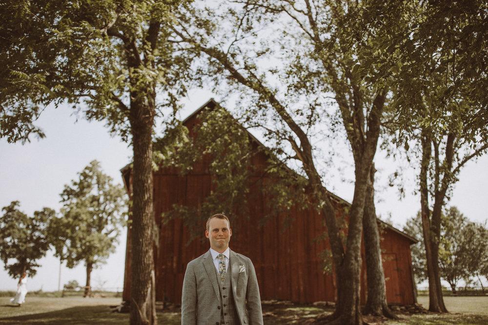 kansas city barn wedding -47.jpg
