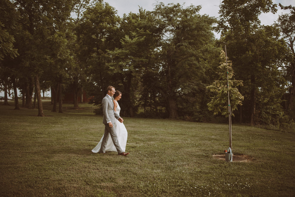 kansas city barn wedding-102.jpg