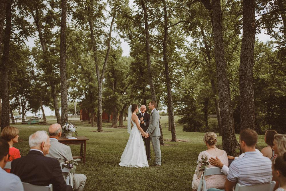 kansas city barn wedding-110.jpg