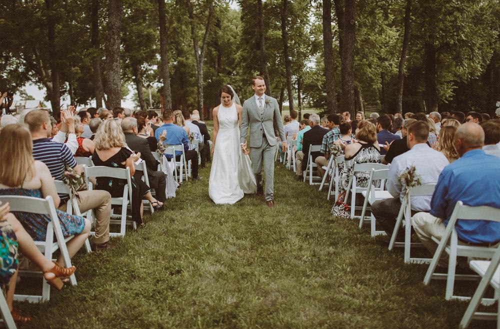 kansas city barn wedding-00118.jpg