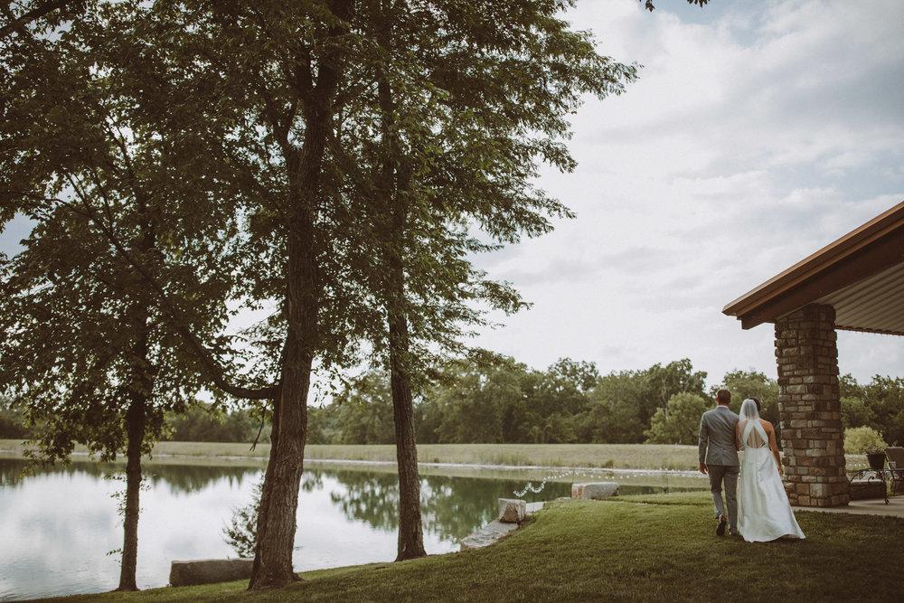 kansas city barn wedding-000118.jpg