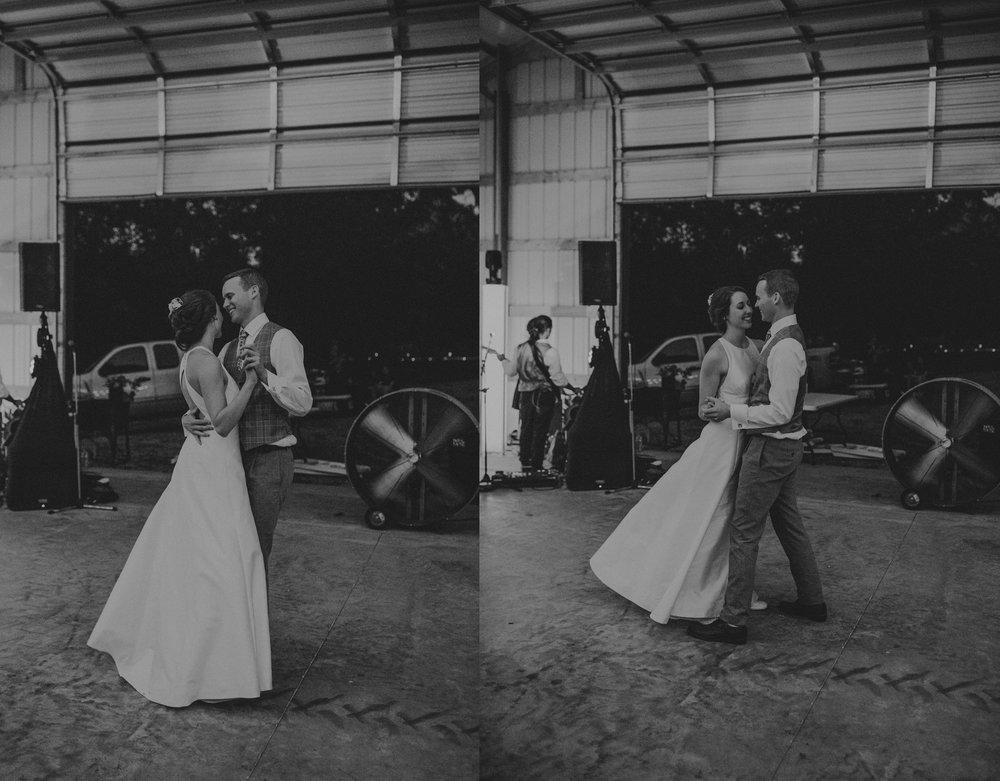 kansas city barn wedding-136 copy.jpg