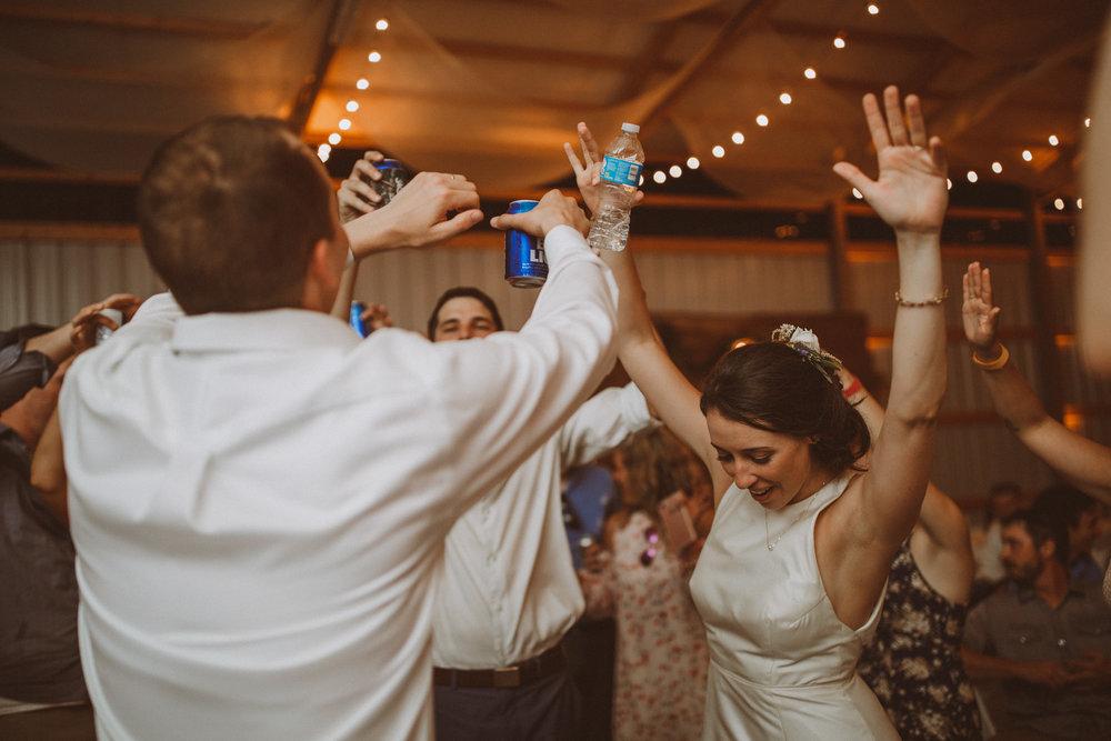 kansas city barn wedding-159.jpg