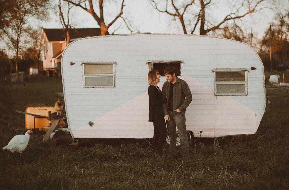 vintage trailer photo session_4621.jpg