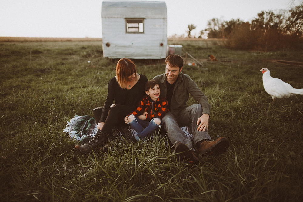 vintage trailer photo session_4716.jpg