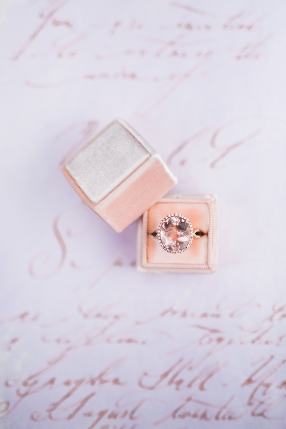 Rose gold ring - Fairytale Wedding (Wedluxe)
