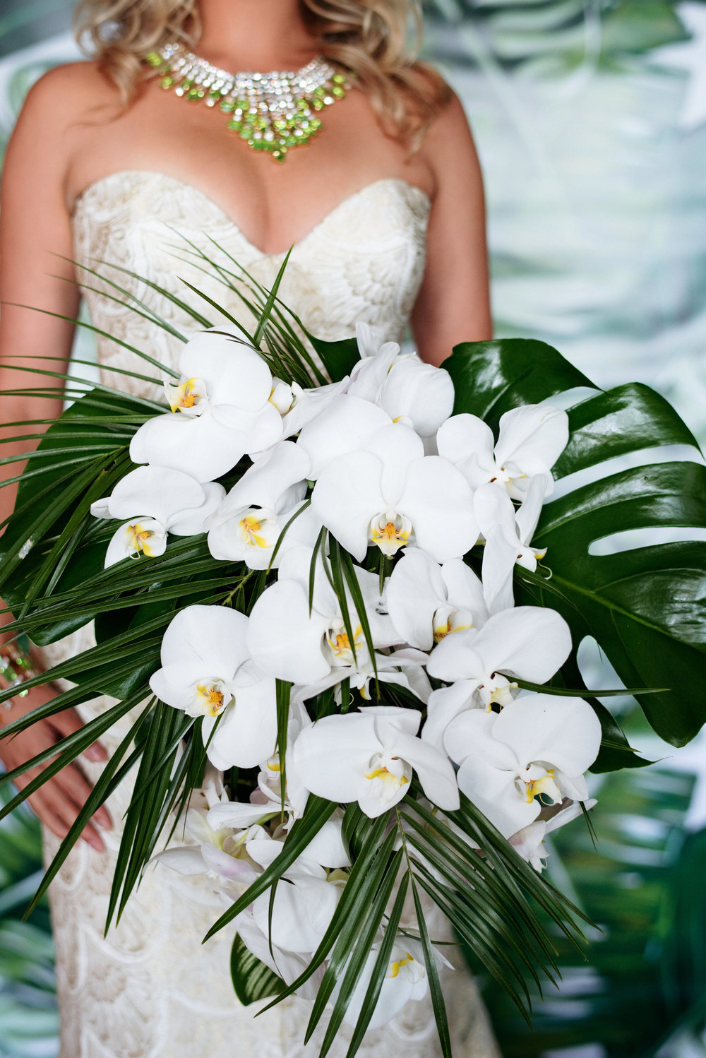 Orchids and palms bouquet - Palma Dolce (Wedluxe)