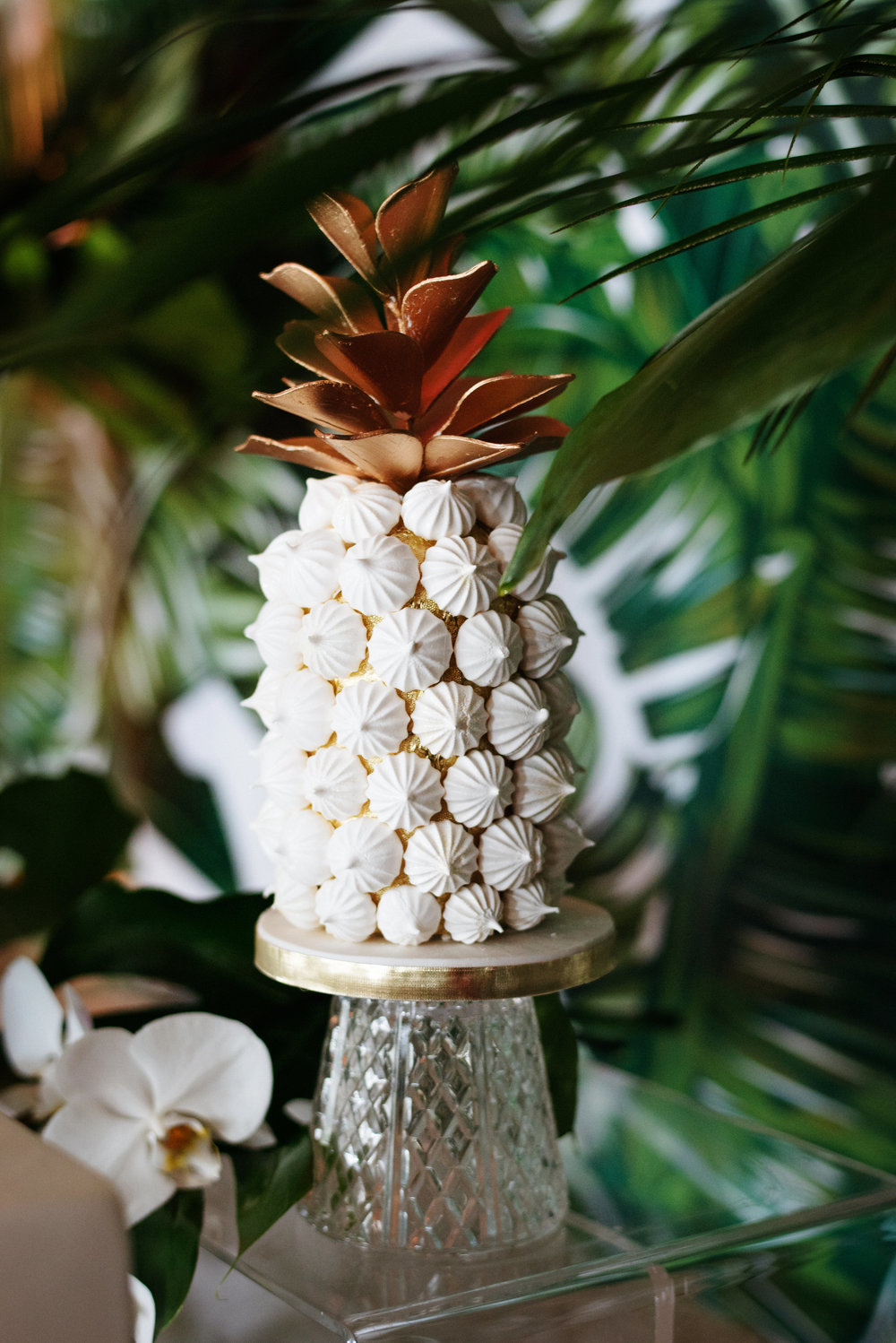 Meringue pineapple tower - Palma Dolce (Wedluxe)