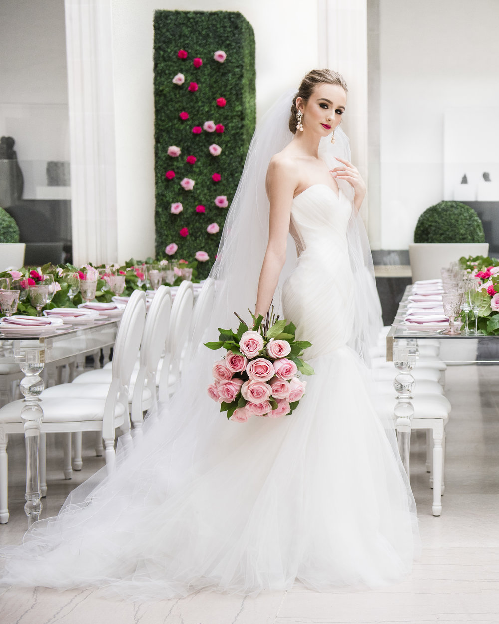 Bride in garden reception - Dior Darling (Wedluxe)