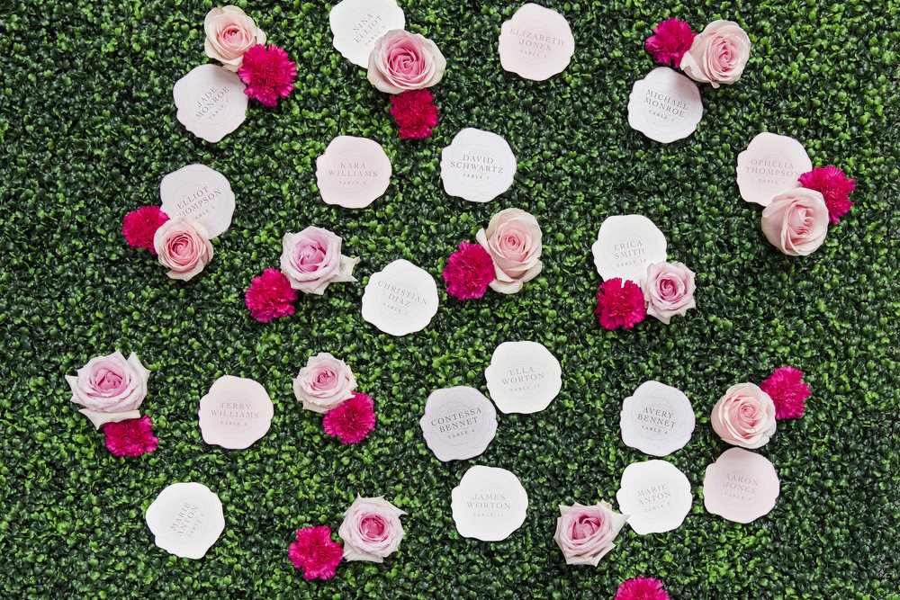 Rose escort cards - Dior Darling (Wedluxe)