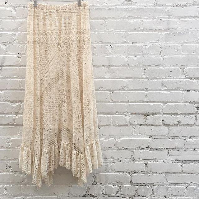1970's lace prairie maxi skirt with elastic band size m/l $48 #thatpoorgirlvintage #shoplocaljax #jaxsmallbusiness #jaxfl #jaxvintage #vintageshop #floridavintage #vintagestyle #70sstyle #70sbabe #woodstock #jenny #forestgump #revolution #prairiestyle #lace #cream #ivory #skirt #maxiskirt #longskirt #whimsical
