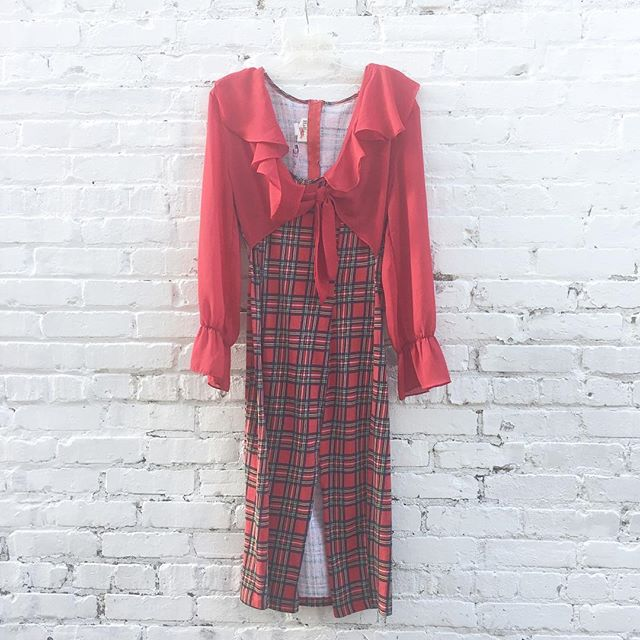 Super cute all in one dress size 6! Attached tie top is a chiffon type material and actual dress is stretchy and soft 👄 $44 #thatpoorgirlvintage #shoplocaljax #jaxfl #jaxsmallbusiness #riversidejax #jacksonville #vintageshop #vintage #vintageshoes #vintageclothes #80s #90s #plaid #clueless #valentines #vday #valentinesday