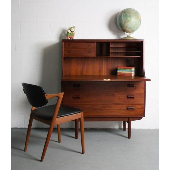 Danish Modern anyone? (chairish.com)