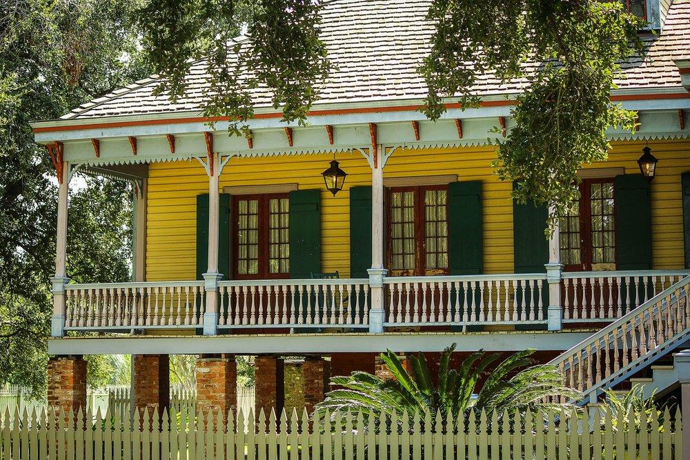 villa-186364_1920.jpg