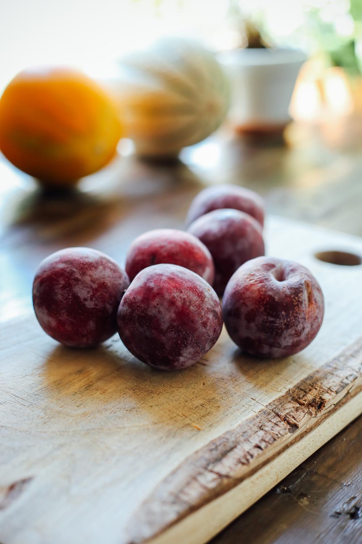 huckleberries05_creditCarlyDiaz.jpg